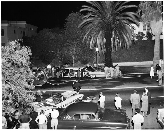 Auto accident and fire at 1303 Beverly Glen, 1958