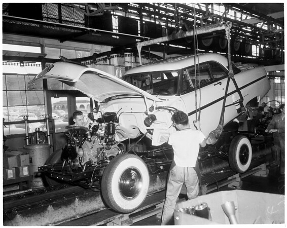 Lincoln-Mercury Plant in Maywood, 1952