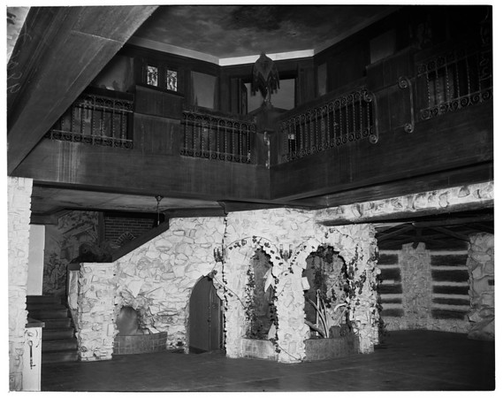 Mansion feature, 1952