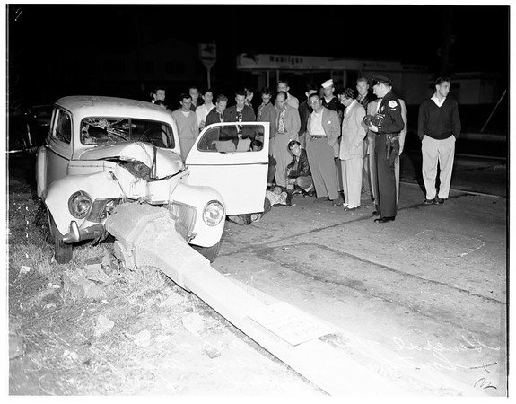 Traffic accident, 167 South Fairfax Avenue, 1951