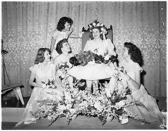 Los Angeles City College queen and court, 1951