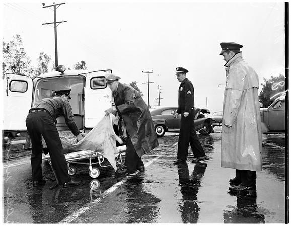 Two car wreck on Riverside Drive -- 1 mile north of Los Feliz, 1951