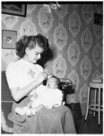 Baby pix for soldier (4444 Wilshire Boulevard), 1952