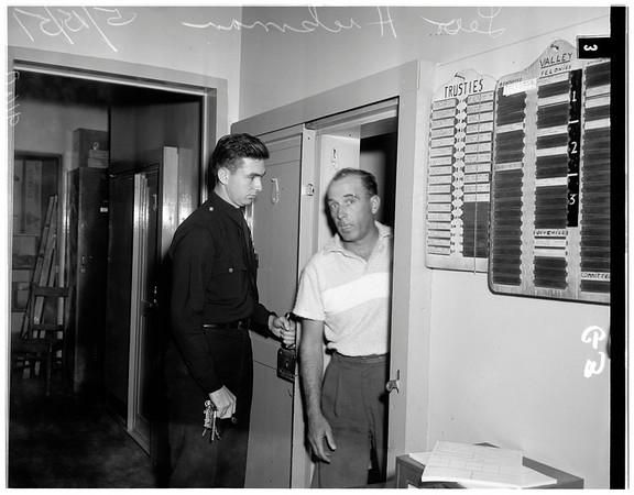Narcotic smuggling into Van Nuys jail, 1951