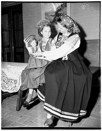 Costume show, 1951