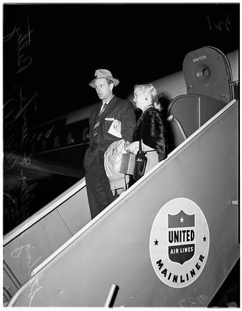Sterling Hayden arrives international airport, 1951