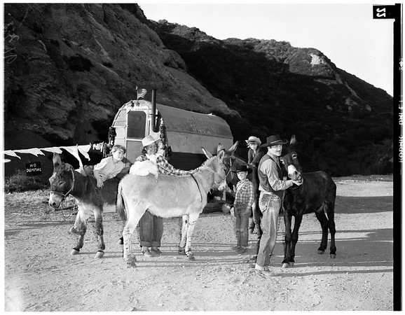 Covered wagon (Pacific Palisades), 1951