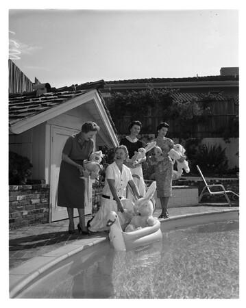 Daniel Freeman hospital women planning tour, 1958