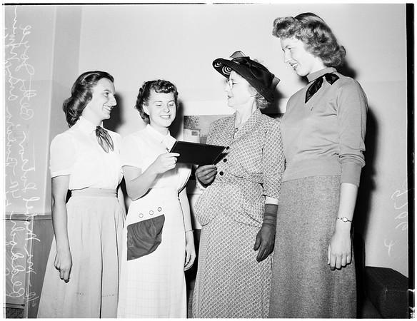 Secretarial award, 1952