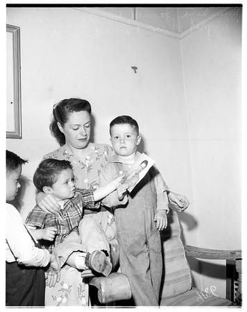 Lieutenant James family, 1951