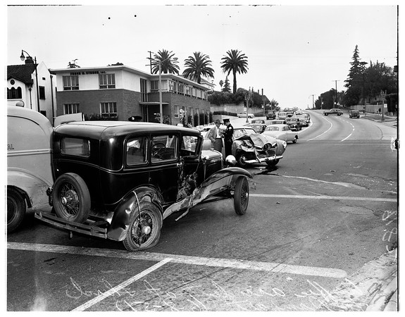 Traffic accident at 3rd and Rampart, 1951