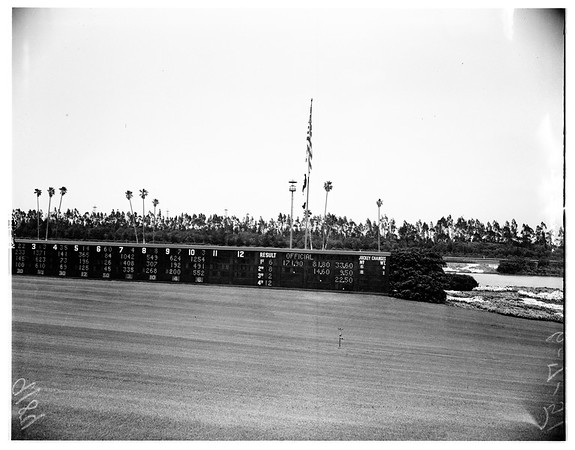 Hollywood Park price board, 1951