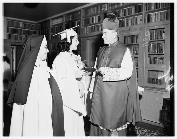 Santa Teresita Graduation, 1951
