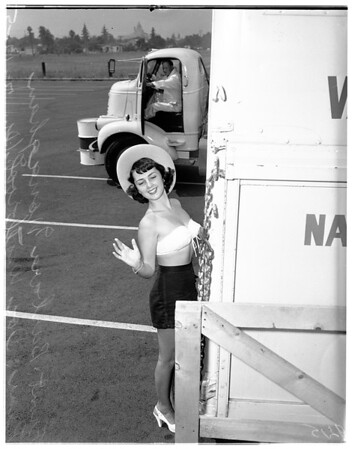 """Truck """"Rodeo"""" to be held in Pasadena Sunday, July 15th, 1951"""