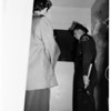 Sheriff's deputies break into 400 South Rossmore, 1951