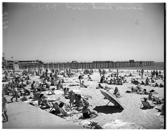 Beach crowd at Hermosa Beach, 1951