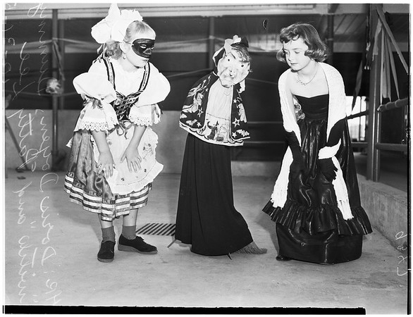 White Point School's Halloween dress up celebration, 1951
