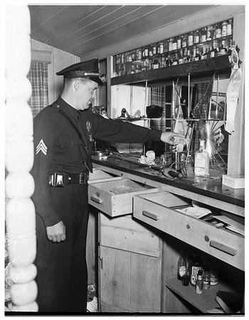 Vandals wreck actor's home, 1951