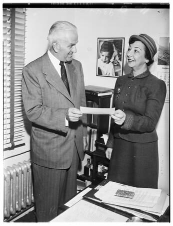 $10,000  Palsy check, 1951