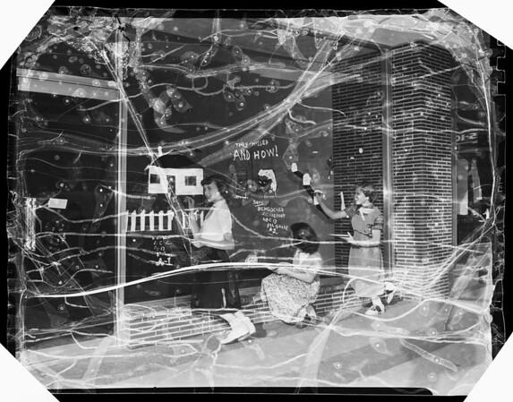 Anaheim annual halloween window art contest, 1951