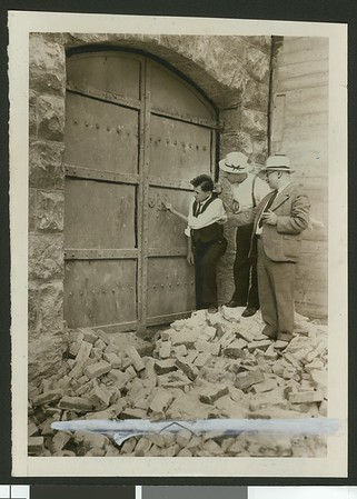 Old entrance to jail uncovered during demolition, 1934