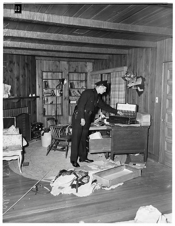 Vandals wreck actor's home, 1951