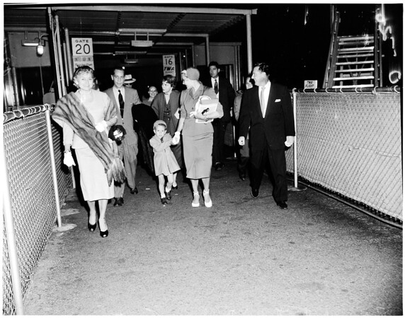 Tone-Payton arrival at airport, 1951.