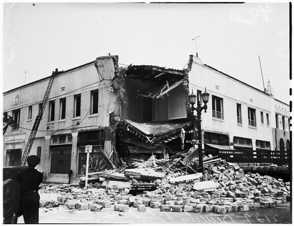 Drug store crash (3127 Beverly Boulevard), 1951
