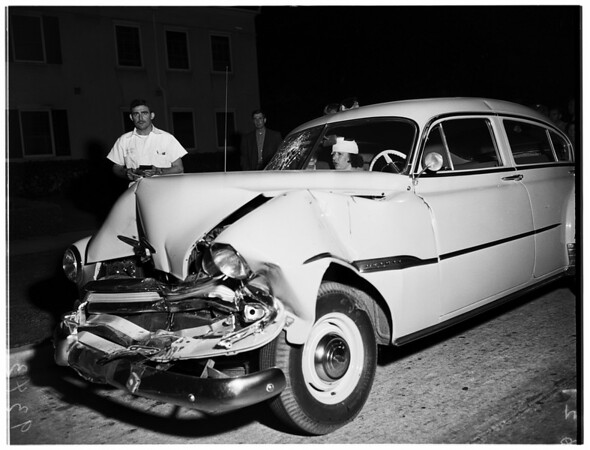 Traffic accident (Comstock Avenue and Wilshire Boulevard), 1951