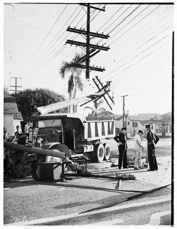 Truck wreck (Kent Street and Alvarado Boulevard), 1951