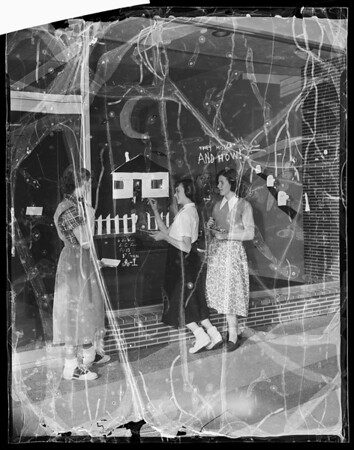 Anaheim annual halloween window art contest, 1951