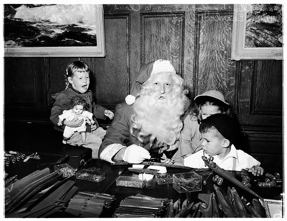 Santa's downtown workshop, 1951