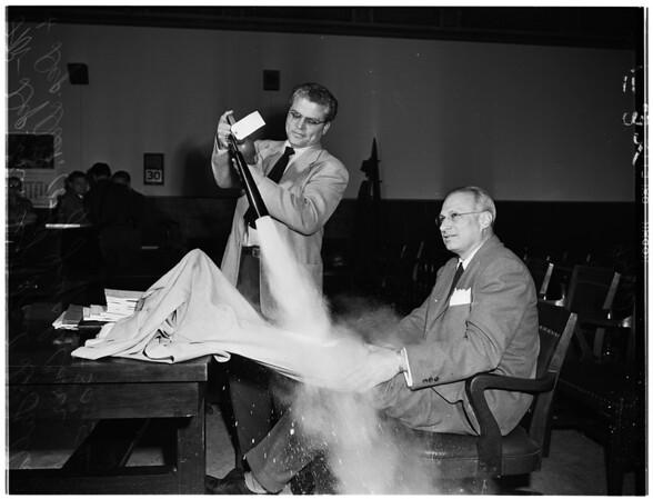 Houtz fire extinguisher trial, 1952