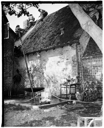 Apartment-Garage fire (121 South Rossmore Avenue, 1951