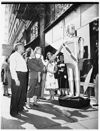 Community Chest robot, 1951