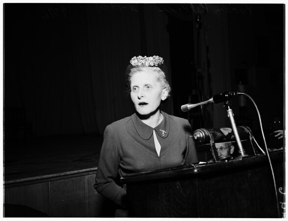 "Woman industrialist and organizer of ""Liberty Belles"", addresses Breakfast Club, 1951"