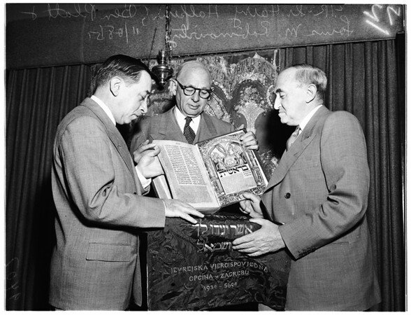 Prague Bible previewed at the University of Judaism here, 1951
