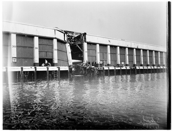 "Ship-dock crash... Johnson Line's S.S. ""Los Angeles"", 1951"