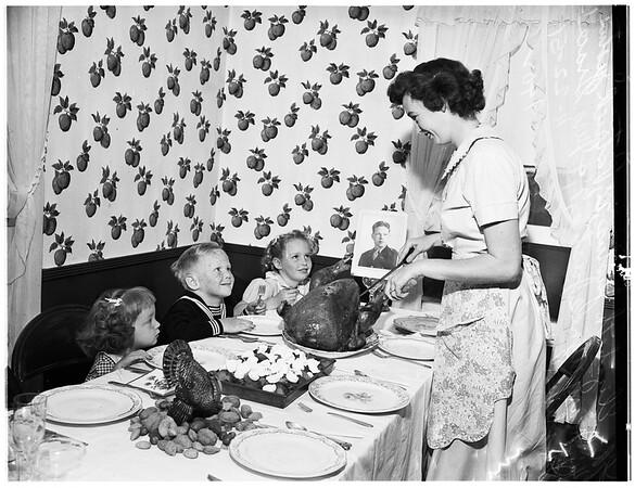 Justus family Thanksgiving dinner, 1951