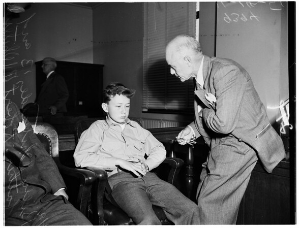 Whiteside divorce... confused child testifying, 1951