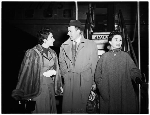 Elizabeth Taylor at International Airport, 1951