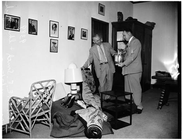 Burglary ...College Professor turned thief, 1951
