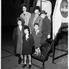 Arrival, Navy wife and five children (Los Alamitos Naval Air Station), 1951