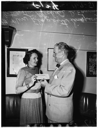 Postal people get raise, 1951