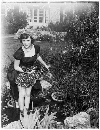 Wisteria queen, 1952