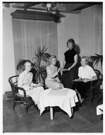 Las Duenas, 1951