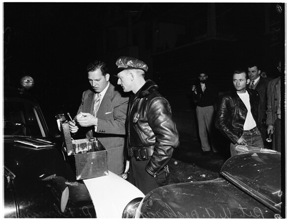 Police chase burglar suspect, 1952
