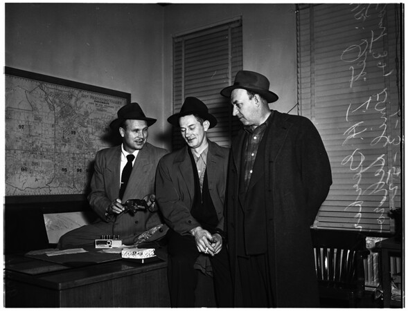 Chicago burglar suspects ...Los Angeles Police Department Burglary Office, 1952