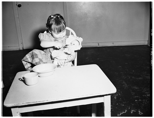 Two abandoned children, 1952
