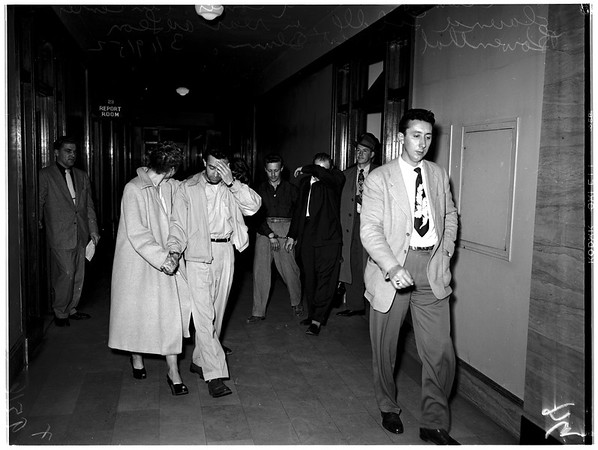 Narcotics suspects at City Hall, 1952